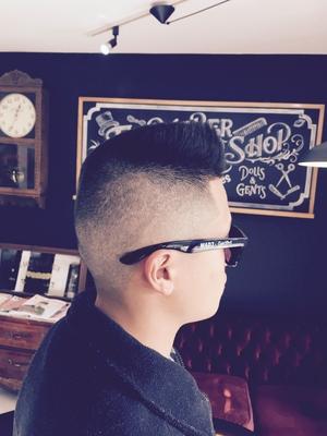 "Flat Top. #金沢市 で「#スキンフェードカット 」「ポマード」「メンズカット」のことは金沢駅近く バーバーショップ ""スピークイージー,,へ http://barber-speakeasy.crayonsite.net 当店コンセプト↓ https://ameblo.jp/barberspeakeasy/entry-12248938636.html  #金沢バーバー#金沢駅周辺#金沢市理容室#金沢市床屋#金沢市メンズカット#金沢市フェードカット#金沢市バーバースタイル#金沢市夜遅くまで営業#金沢市barber#金沢市barbershop#金沢バーバースタイル #金沢市バーバーショップスピークイージー #金沢市ポマード #金沢市バーバーショップ#金沢市スキンフェード#野々市スキンフェード#小松市スキンフェード#白山市スキンフェード"