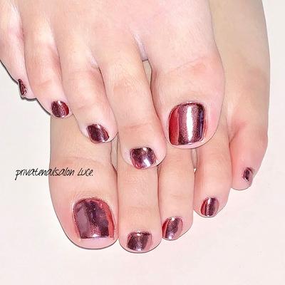 . #ネイル#ジェルネイル#nail #nailart#💅#foot#footnail #手抜きネイル#ミラーネイル#pink #ピンクミラー#nailist#セルフネイル #艶々#kawaii#Nailbook#tredina #nailistagram#奈良#mynail #自宅サロン#お家ネイル#Luce.