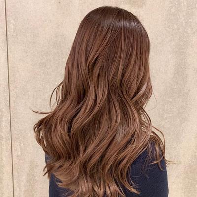 cut : レイヤーカット color : アプリコットベージュ  #グラデーション #ダメージレスブリーチ  #ハイライト #hair #カット #カラー #大人可愛い #ベージュ #ヘアアレンジ  #ヘアスタイル #外国人風カラー  #バレイヤージュ #ミルボン