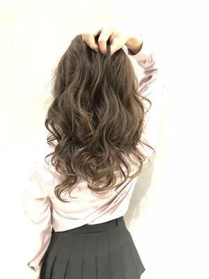 color:フォギーグレージュ   #color #カラー #神戸 #三ノ宮 #美容院 #美容室  #美容師 #サロモ #バレイヤージュ #ハイライト #グレージュ #外国人風カラー #フォギーベージュ #ダメージレスブリーチ #highlight  #haircut #ヘアアレンジ #ヘア