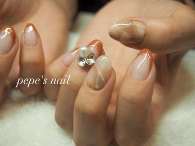 my nail💅 新しく仕入れたカラーと大理石で大人っぽく♡ ・ ※現在、イベント等でネイルしたい!という方のみ受付しています。ただし小さい子どもがいる為、お時間許される方だけになります。ご了承ください🙇♀️ ・ #pepesnail #nail #nailart #nailstagram #gelnail #nails  #paragel #pregel#vetro#bellaforma #handnail#mynail#mynails #ネイル #ネイルアート#シンプルネイル#オフィスネイル#ハンドネイル #大理石ネイル #春ネイル #マイネイル#vカットストーン #自宅ネイル#大分市