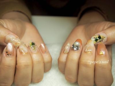 wedding nail💅 普段できないアート達を詰め込んだ花嫁さんのネイルです♡ 甘くなりすぎず、色味も統一感のあるアートができました。 4種類使った花束がとっても可愛かった〜💕 楽しい式になりますように♡ ・ ・ #pepesnail #nail #nailart #nailstagram #gelnail #nails  #paragel #wedding nail#pregel#vetro#bellaforma #handnail#ネイル #ネイルアート#シンプルネイル#ワイヤーネイル #ドライフラワー#押し花ネイル #ハンドネイル  #ウエディングネイル#花嫁ネイル#大理石アート#大理石ネイル#自宅ネイル#大分市#大分市ネイル