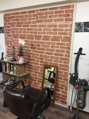 お店の壁の雰囲気 少しだけ変えました^ ^ アンシェ美容室をよろしくお願いします^ ^