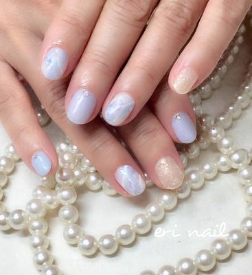 ブルーレースアゲート✨ ブルーの天然石ネイル😊✨ 今まで、ピンク系、ベージュ系しかやらなかったお客様ですが、今回ブルー系に挑戦です👍✨実はブルー系が大好きなお客様なので、とってもお似合いでした😊💕天然石も、角度によってキラキラ輝くように工夫しているので、眺めて癒されて下さいね☺️💕      #ジェル #ジェルネイル #ジェルネイルデザイン #ネイル #ネイルデザイン #ネイルアート #ネイルブック予約受付中 #ブルーレースアゲートネイル #神秘ネイル #キラキラネイル #ブルー系ネイル #お上品ネイル #名古屋ネイル #名古屋ネイルサロン #名古屋市ネイル #名古屋市ネイルサロン #天白区ネイル #天白区ネイルサロン