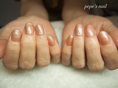 4月末、娘さんの結婚式で初めてジェルネイルをされたお母様の付け替えでした。 シンプルにオパールで上品に。  ※7月から本格的に再開できるよう準備しています。 またお知らせいたします。  #pepesnail #nail #nailart #nailstagram #gelnail #nails  #paragel #pregel#vetro#bellaforma #handnail#ネイル #ネイルアート#シンプルネイル#オフィスネイル#ハンドネイル  #自宅ネイル#大分市ネイル #大分市森