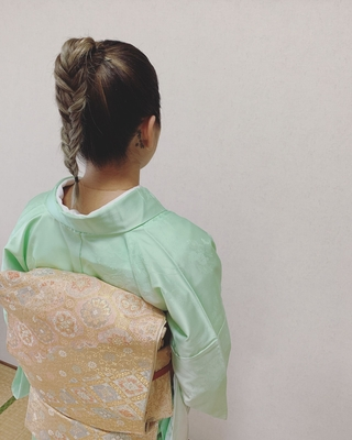フィッシュボーン×和装。 カッコいい雰囲気のお客様にとてもお似合いでした✨ ご来店誠にありがとうございます! ・ #ポニーテール#フィッシュボーン #hairstyle #hairdo#kimono #kimonostyle #浴衣#浴衣ヘアアレンジ#ミディアム #ミディアムアレンジ  #着物女子#福岡ヘアセット#天神#ヘアアレンジ#ヘアセット#Threekeys #スリーキーズ#着物 #ブライダル#結婚式ヘアアレンジ#ブライダルヘア#花嫁#着物ヘア#和装ヘア #プレ花嫁#ヘアセット専門店#着物レンタル #前撮り#早朝ヘアセット