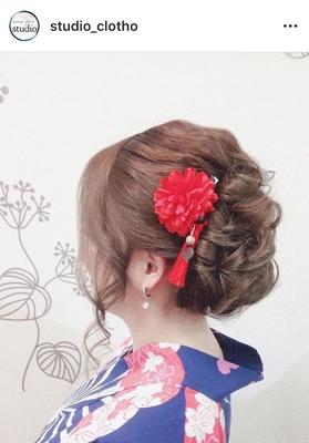 浴衣着付け +ルーズ アップ:下目のアシンメトリー/ 髪飾り handmaid  ヒロ(hiro)  ドレスにも似合ます下目のふんわりアップ(´ `*) 髪飾りは 色んなパーツを分解&接続して作成してみました〜٩(ˊᗜˋ*)و .  #京都#祇園#kyoto#セットサロン #studioclotho#スタジオクロト #ヒロstudio  #浴衣#浴衣ヘア#和装  #ヘアアレンジ #ヘアメイク#アーティスト#美容師 #ファッション#モデル#カメラ #おしゃれ#おしゃれさんと繋がりたい  #アップスタイル #祇園祭り #イベント#パーティ