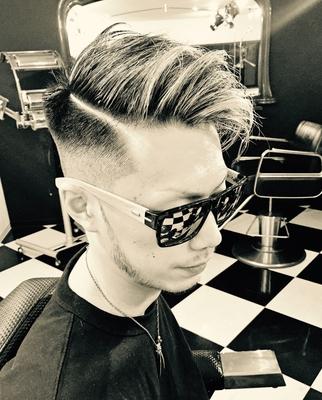 "Hard Part Boogie. #金沢バーバー #金沢市バーバー#金沢スキンフェード#金沢市理髪店  #金沢市 で「#スキンフェードカット 」「ポマード」「メンズカット」のことは金沢駅近く バーバーショップ ""スピークイージー,,へ http://barber-speakeasy.crayonsite.net 当店コンセプト↓ https://ameblo.jp/barberspeakeasy/entry-12248938636.html #金沢駅周辺#金沢市理容室#金沢市床屋#金沢市メンズカット#金沢市フェードカット#金沢バーバースタイル #金沢市バーバーショップスピークイージー #金沢市スキンフェード#金沢バーバーショップ#金沢市バーバーショップ#スタッフ募集中"