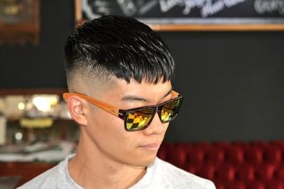 "Crop × Skin Fade Style #金沢バーバー #金沢市バーバー #金沢スキンフェード #金沢市理髪店  #金沢市 で「#スキンフェードカット 」「ポマード」「メンズカット」のことは金沢駅から徒歩約10分 大人紳士の通うバーバー ""スピークイージー,,へ http://barber-speakeasy.crayonsite.net コンセプト&スキンフェードスタイル動画 https://ameblo.jp/barberspeakeasy/entry-12509428096.html"