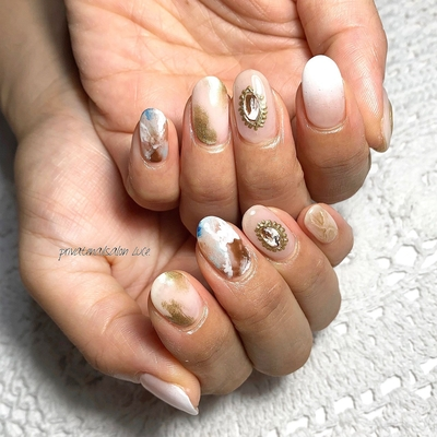. #艶 #simplenails #officenail #summernails #ニュアンスネイル #大理石ネイル #ブローチ #💅🏻 #nail #gelnail #nailist #nailart #naildesign #お客様ネイル #nara #奈良県 #奈良ネイルサロン #お家ネイル #自宅サロン #privatenailsalonLuce. #Nailbook #tredina #掲載 #instagram #instanail  #nailistagram #instalike #instagood #nails2019
