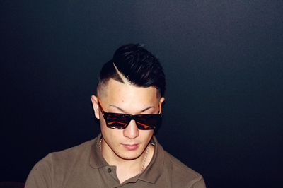 "Hard Part×Skin Fade Style #金沢バーバー #金沢市バーバー #金沢スキンフェード #金沢市理髪店  #金沢市 で「#スキンフェードカット 」「ポマード」「メンズカット」のことは金沢駅から徒歩約10分 大人紳士の通うバーバー ""スピークイージー,,へ http://barber-speakeasy.crayonsite.net コンセプト&スキンフェードスタイル動画 https://ameblo.jp/barberspeakeasy/entry-12509428096.html"