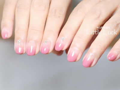 ピンクのグラデーションは 万能デザインです♡  #ママネイル #グラデーションネイル #グラデーション #ピンクネイル