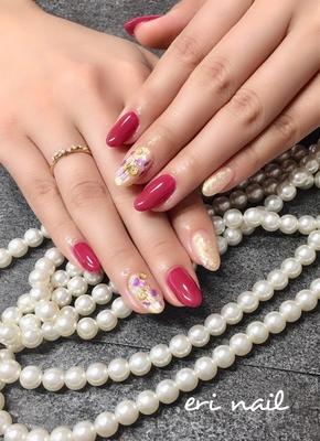 パープルシェルジュエリー✨ ピンクボルドーの色っぽいカラーに、キラキラパープルシェルジュエリーがとっても美しい〜✨✨ 『パーティーに行きますか?』と聞きたくなるくらいゴージャスて素敵でした😊💕 美ハンドに映えますね〜✨✨✨美しいです💕