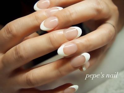 お客様ネイル💅 王道フレンチ。 シンプルこそ美しい♡ ・ #pepesnail #nail #nailart #nailstagram #gelnail #nails  #paragel #ageha #agehagel #pregel#pregelmuse#vetro#bellaforma #handnail#ネイル #ネイルアート#オフィスネイル#フレンチネイル  #ハンドネイル  #自宅ネイル#大分市ネイル #大分市森